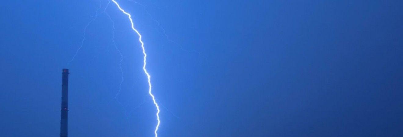 В Черниговской области из-за удара молнии на полигоне погиб курсант