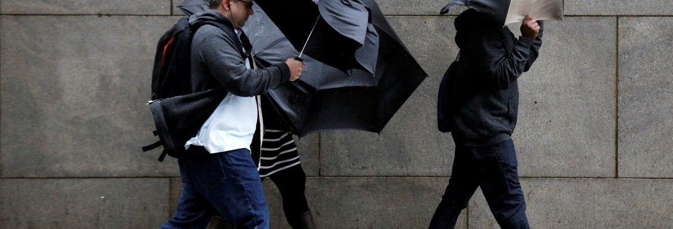 У десяти областях України оголосили штормове попередження