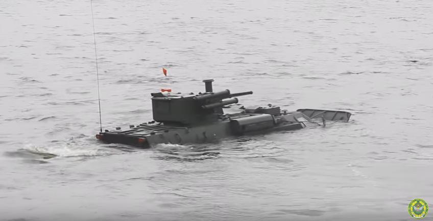 Ukrainian BTR-4 tested in water / screenshot