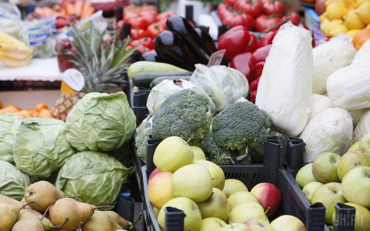 Веганам будут подаваться екологически чистые фрукты и овощи \ фото УНИАН