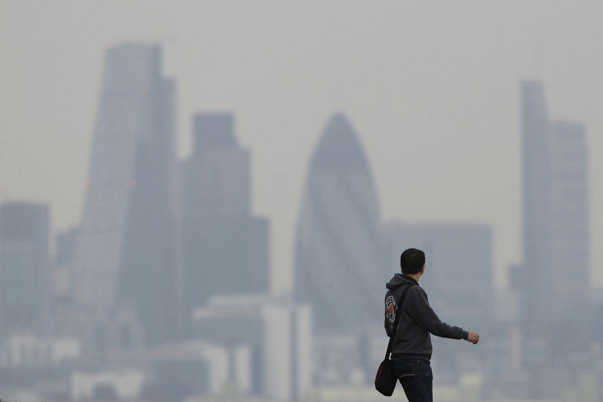Смог в Лондоне / Фото REUTERS