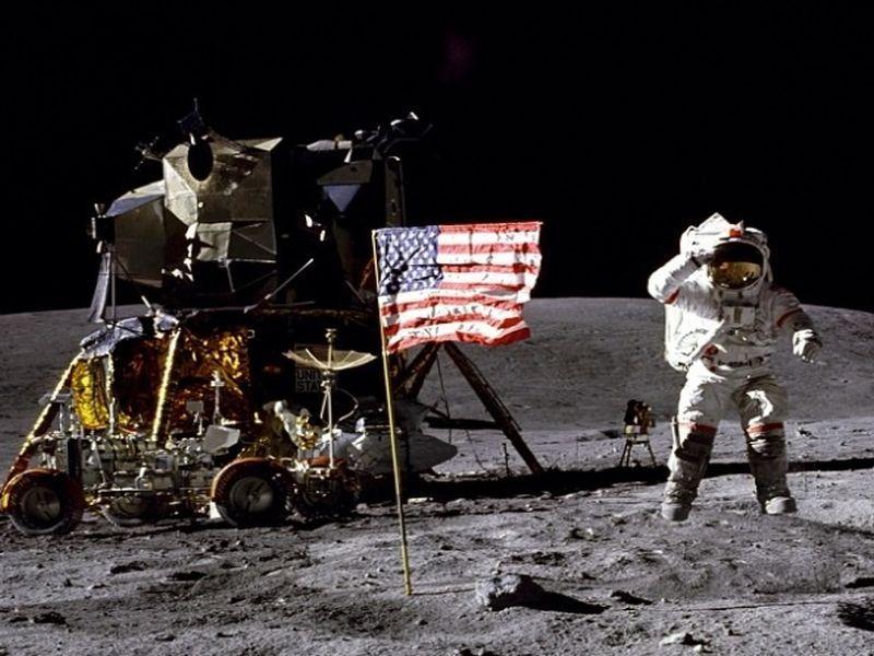 """Космічні археологи хочуть дослідити місце висадки """"Аполлона-17"""" / NASA, Charles M. Duke Jr."""