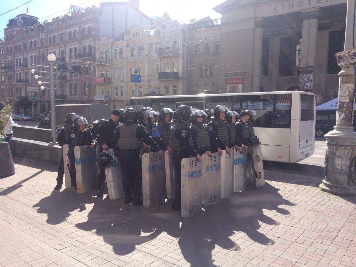 Nearly 6,000 law enforcers were on duty to ensure law and order during the Kyiv Pride / Photo from Twitter Roman Kravets