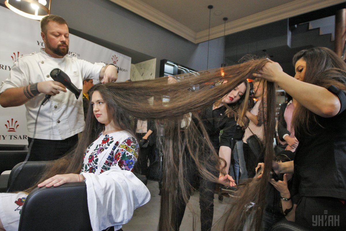 A Ukrainian woman with the longest hair - UNIAN Photoreport