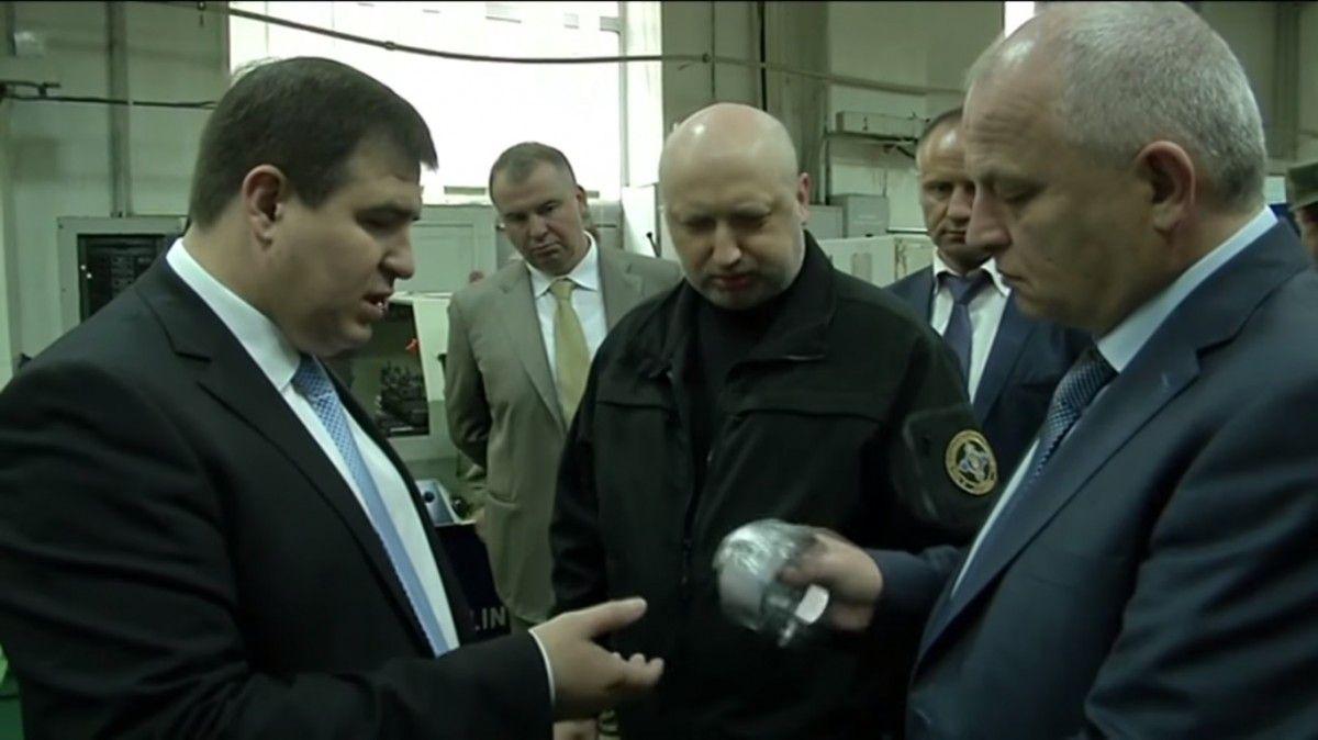Oleksandr Turchynov at an ammunition factory / Screenshot