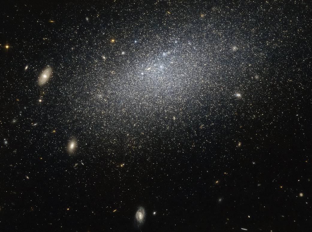 Ученые вычислили по-новому постоянную Хаббла / NASA/ESA