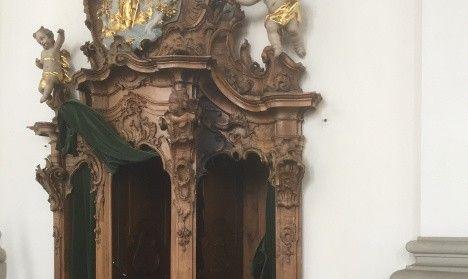 Пожежа спалахнула в бароковій сповідальні в соборі на початку дня