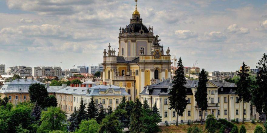 Порошенко поручил начать реставрацию собора