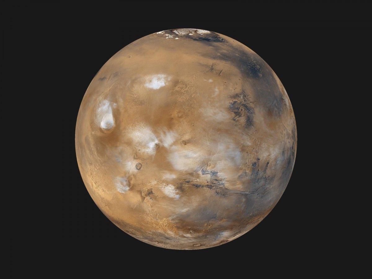 Из-за отсутствия фотосинтезирующих организмов в марсианской атмосфере очень мало кислорода / фото NASA
