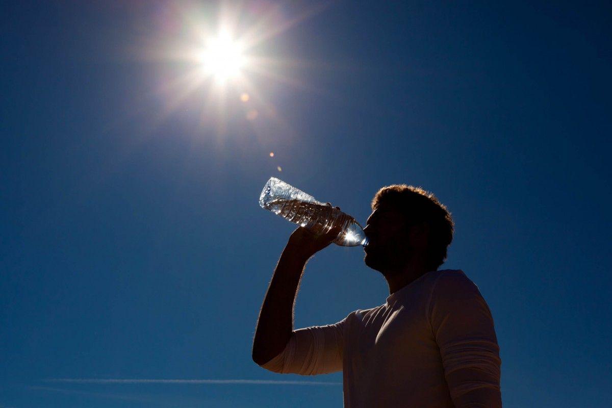 Сильна спека у Канаді не відступає / ozb.co.kr