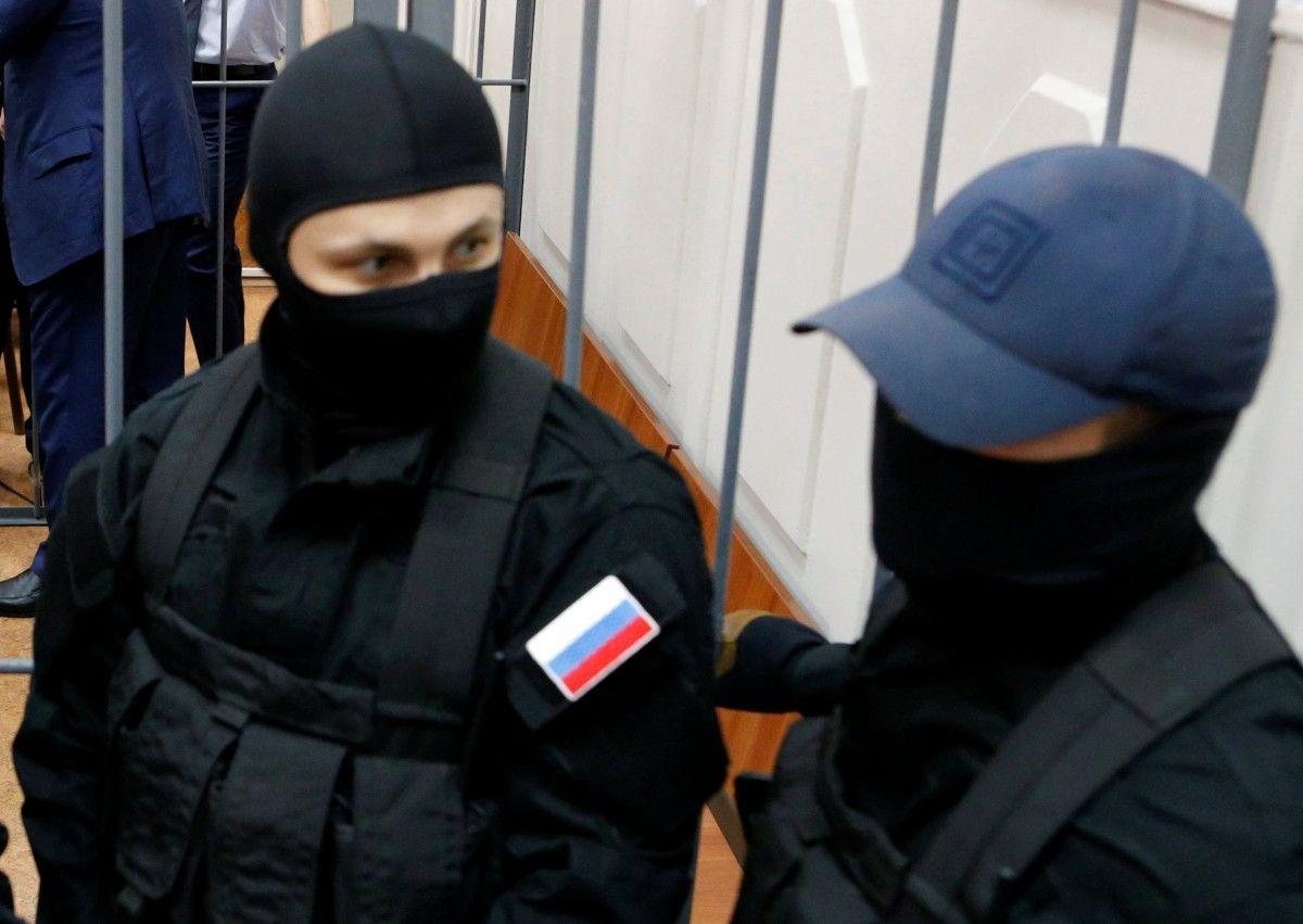 ФСБшники отпустили задержанного накануне проукраинского активиста в Крыму / REUTERS