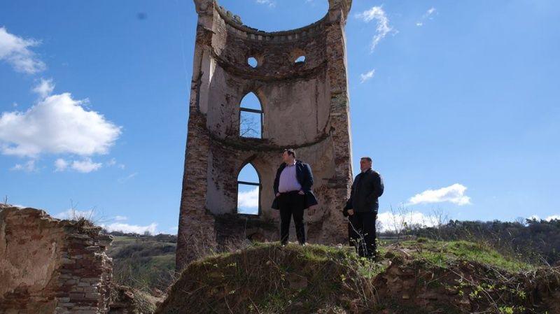 Собор на території замку допоможе привернути увагу туристів до пам'ятки