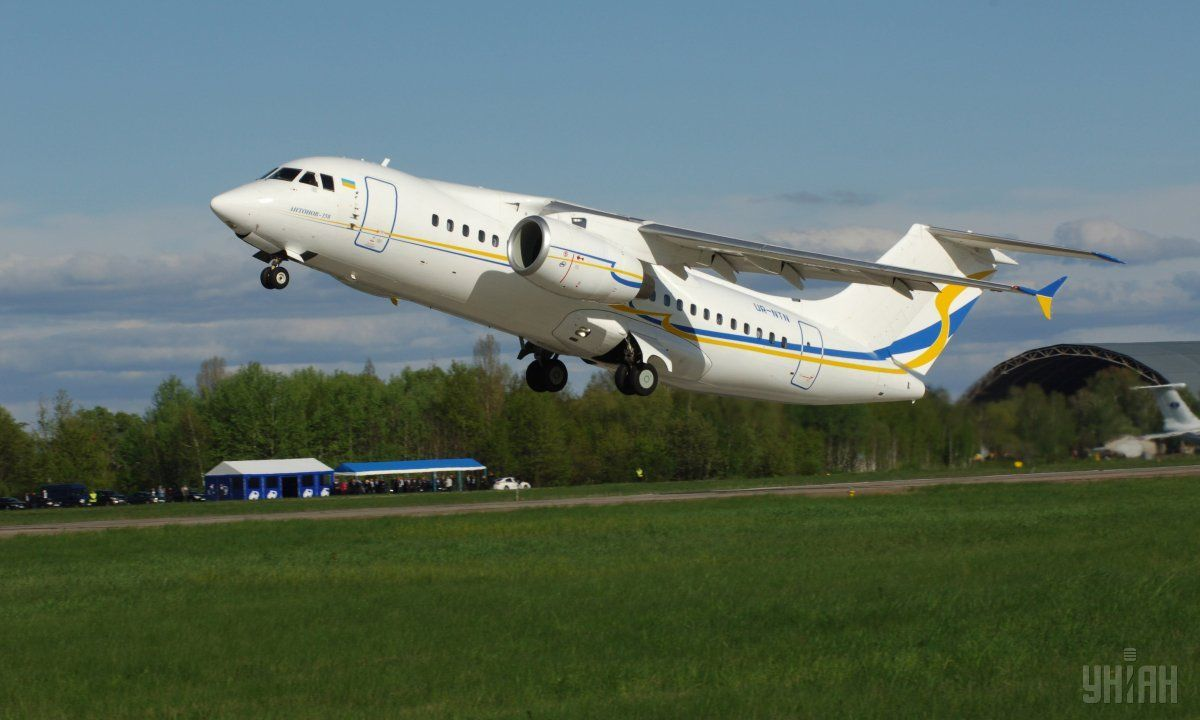 """""""Антонов"""" поставит два Ан-158 украинской авиакомпании / фото УНИАН"""