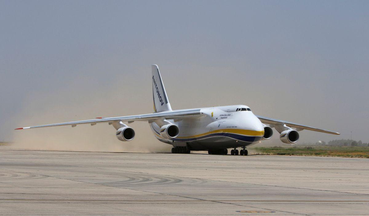 """Український літак Ан-124 """"Руслан"""" / REUTERS"""