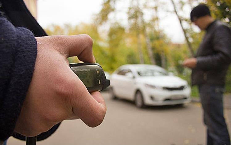 Двох продавців пристроїв для зламування автомобілів затримали / autolocked.ru