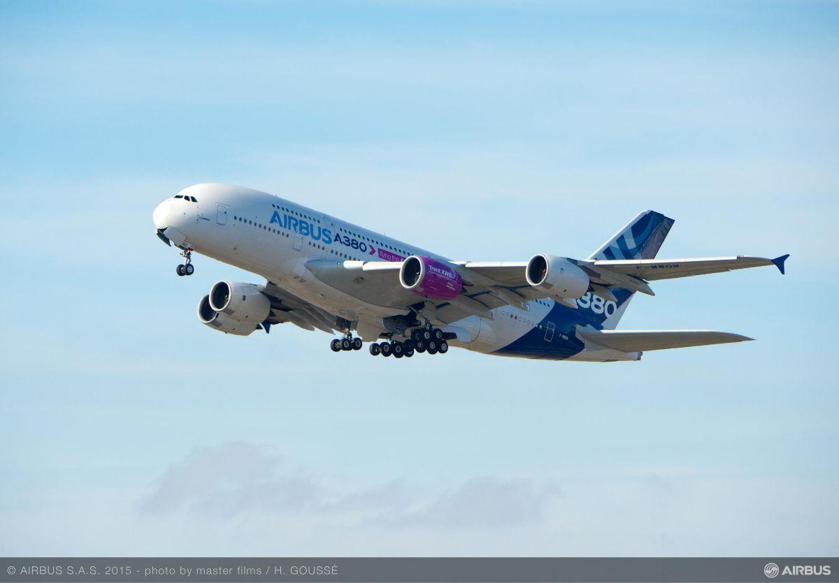 Лайнер Airbus A380 - найбільший у світі пасажирський літак / airbus.com