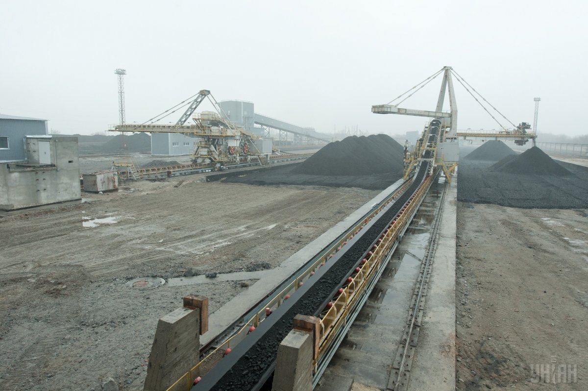 Украина решает проблему дефицита нужных марок угля / Фото УНИАН