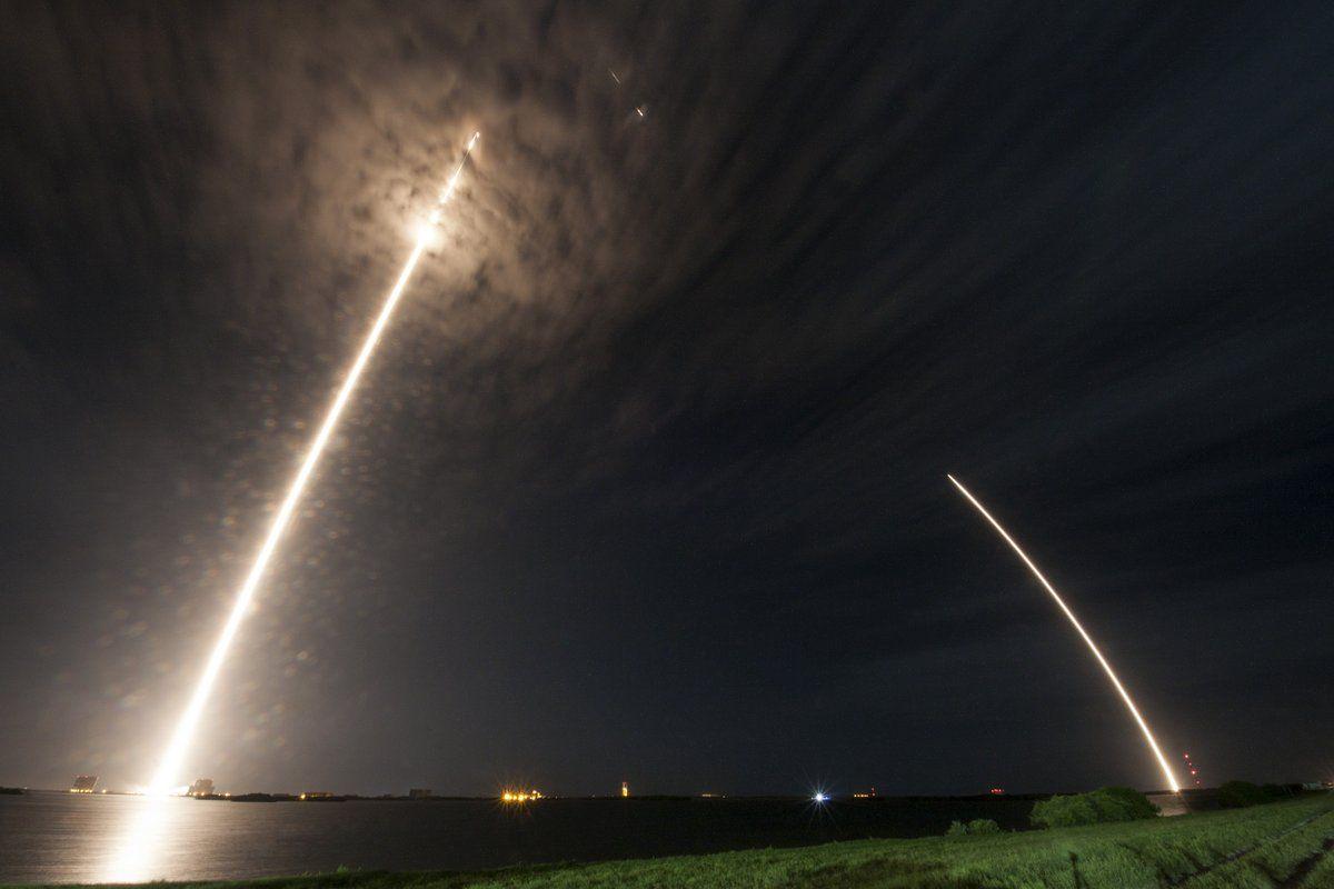Пока Dragon отправился в космос, первая ступень Falcon вернулась / Фото twitter.com/SpaceX