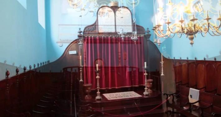 Новая жизнь заброшенной синагоги на Азорских островах.  Фото: cyberspaceandtime.com