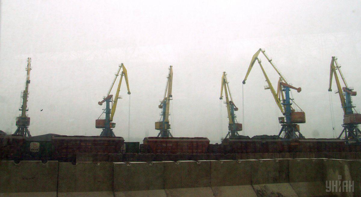 СБУ заявляет о блокировании незаконных сделок в порту «Южный» / Фото УНИАН