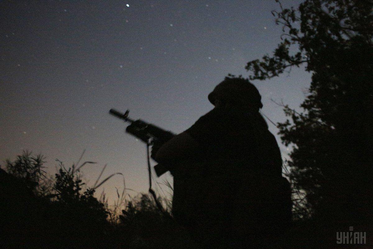 Военнослужащий в пограничном патруле выстрелил себе в голову из автомата / фото УНИАН