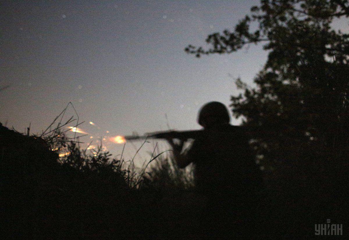 Двоевоенных ранены, потери противника уточняются / фото УНИАН