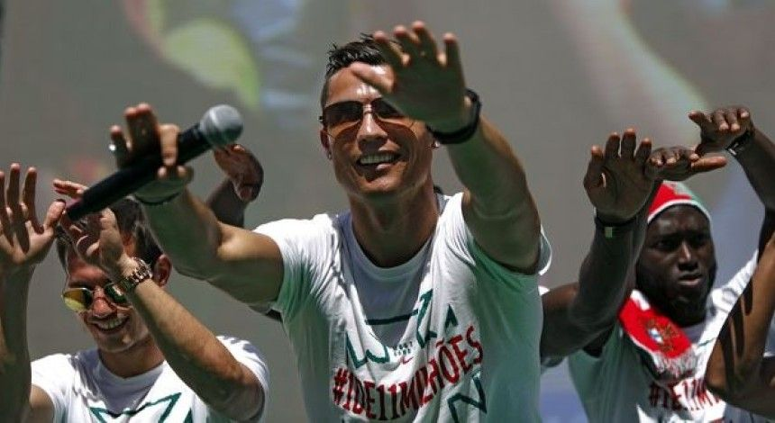 Роналду віддав призові за перемогу на Євро-2016 у фонд боротьби з дитячим раком