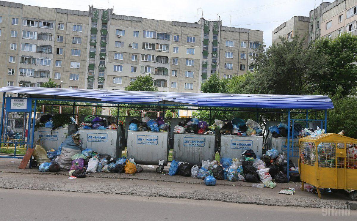 ЛМР виділила кошти на вивіз сміття зі Львова / Фото УНИАН