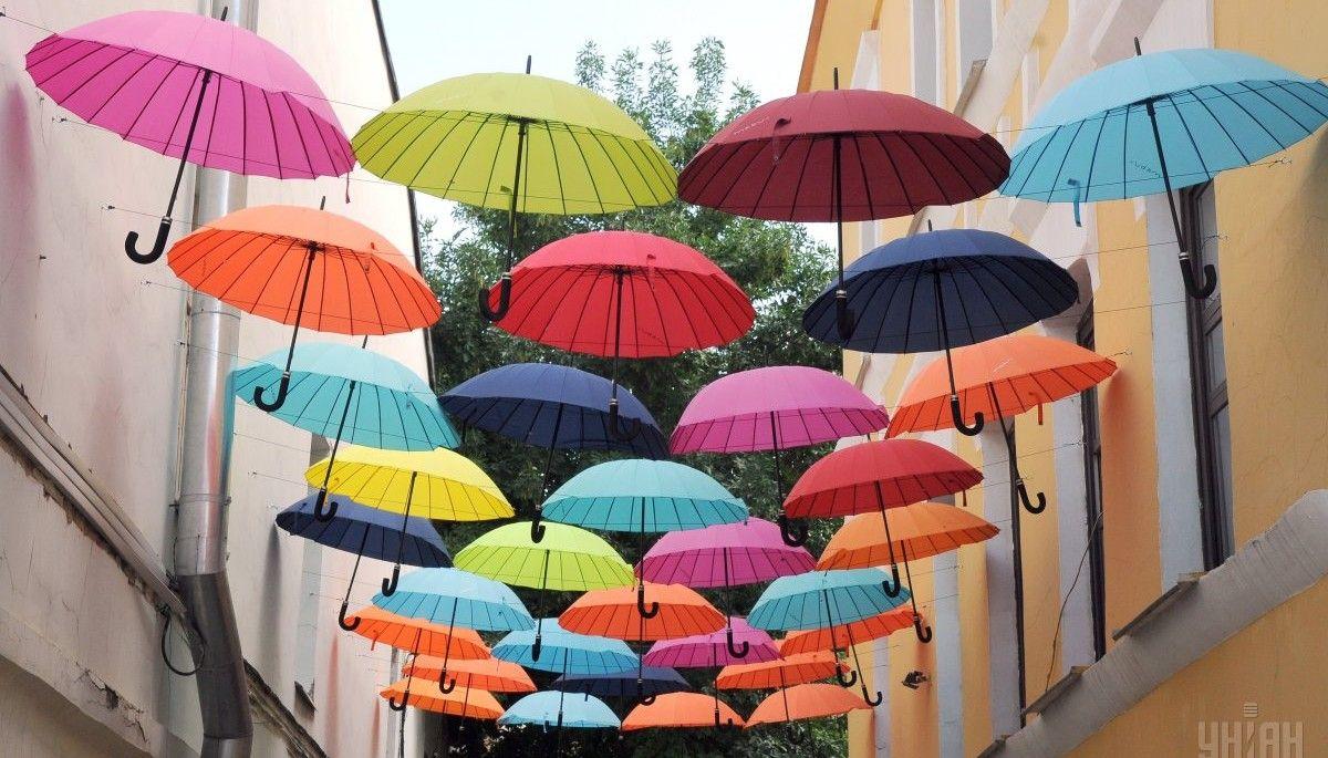 В южной части и в центральных областях днем местами сильные дожди / Фото: УНИАН
