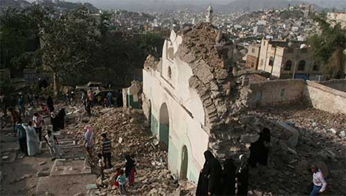 Руины мечети. Фото: Reuters.