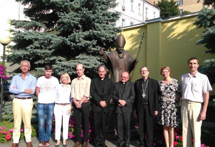 """Представители Ватикана и международного """"Каритаса"""". Фото: credo-ua.org"""