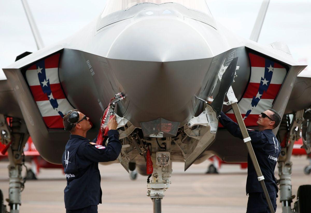 Американский истребитель-бомбардировщик F-35 / фото REUTERS