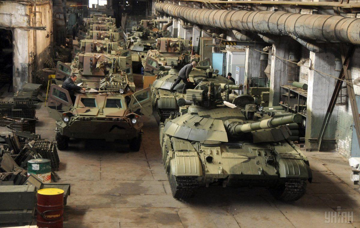 На капремонт військової техніки та озброєння направлять 4 мільярди гривень / фото УНІАН