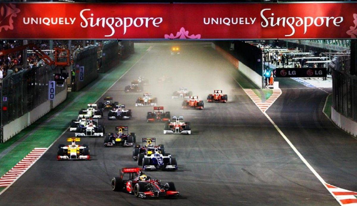 Гран-при Сингапура - единственная ночная гонка в Ф-1 / jtsportstours.com.au