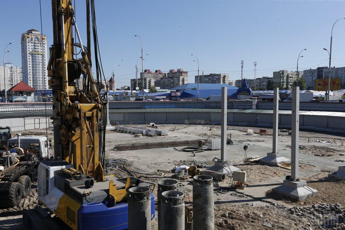 Над кольцом строят трехуровневый ТРЦ / Фото УНИАН