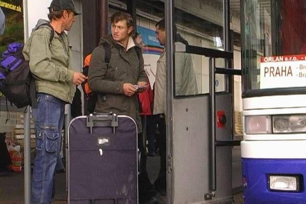 Все больше украинцев предпочитает зарабатывать на достойную жизнь за рубежом / www.profi-forex.org