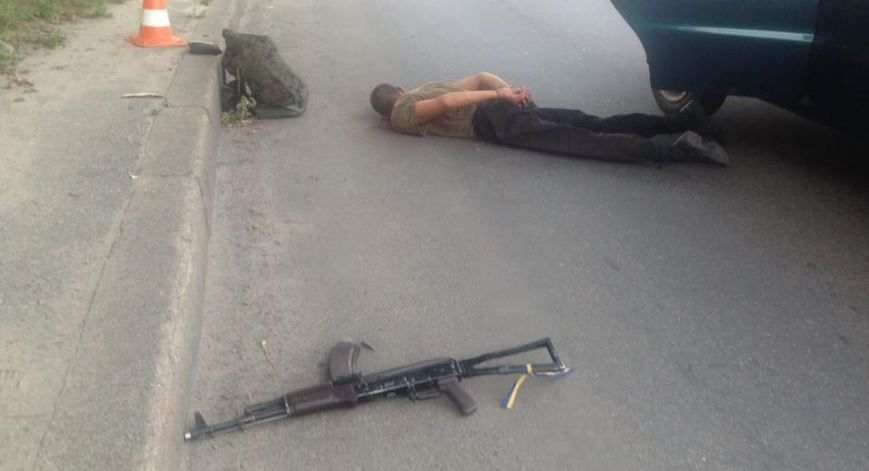 Стрелок самовольно покинул воинскую часть с оружием / Фото 057.ua