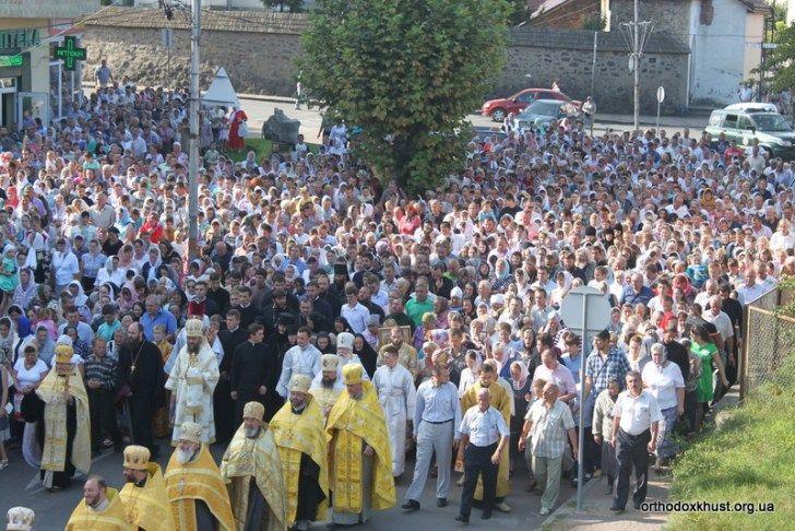 Хресна хода пройшла вулицями Хуста. Фото: news.church.ua