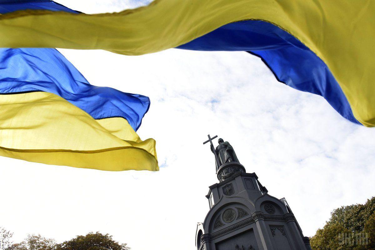 Туристов предупреждают, что в Украине не так плохо с медициной, но в вопросе безопасности стоит быть осторожным / УНИАН