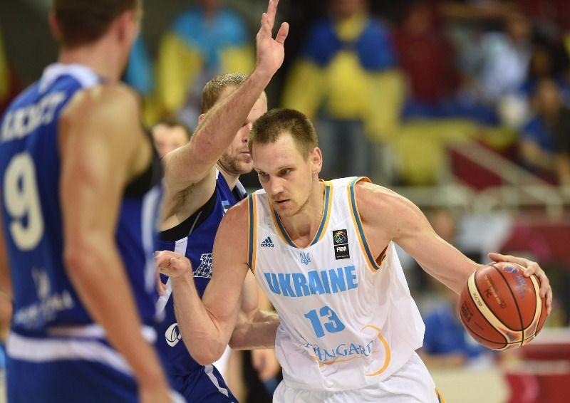 Украина осталась на 38-м месте / FIBA/Ciamillo-Castoria/
