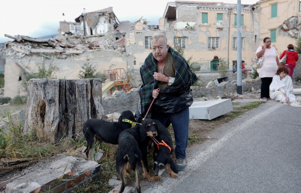 италия землетрясение / REUTERS