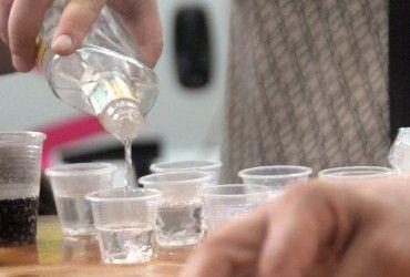 В Минздраве РФ призвали россиян не лечить коронавирус алкоголем