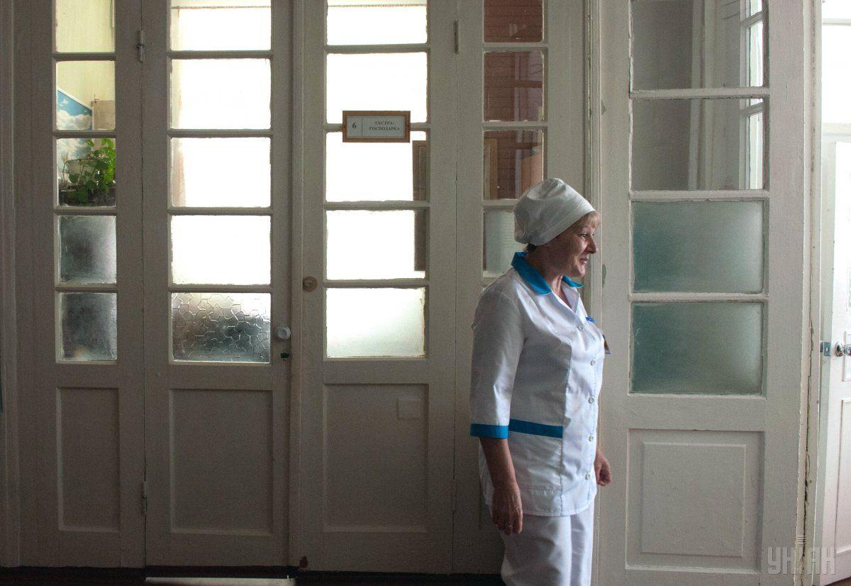 Лікарі рятують життя хлопця / фото УНІАН