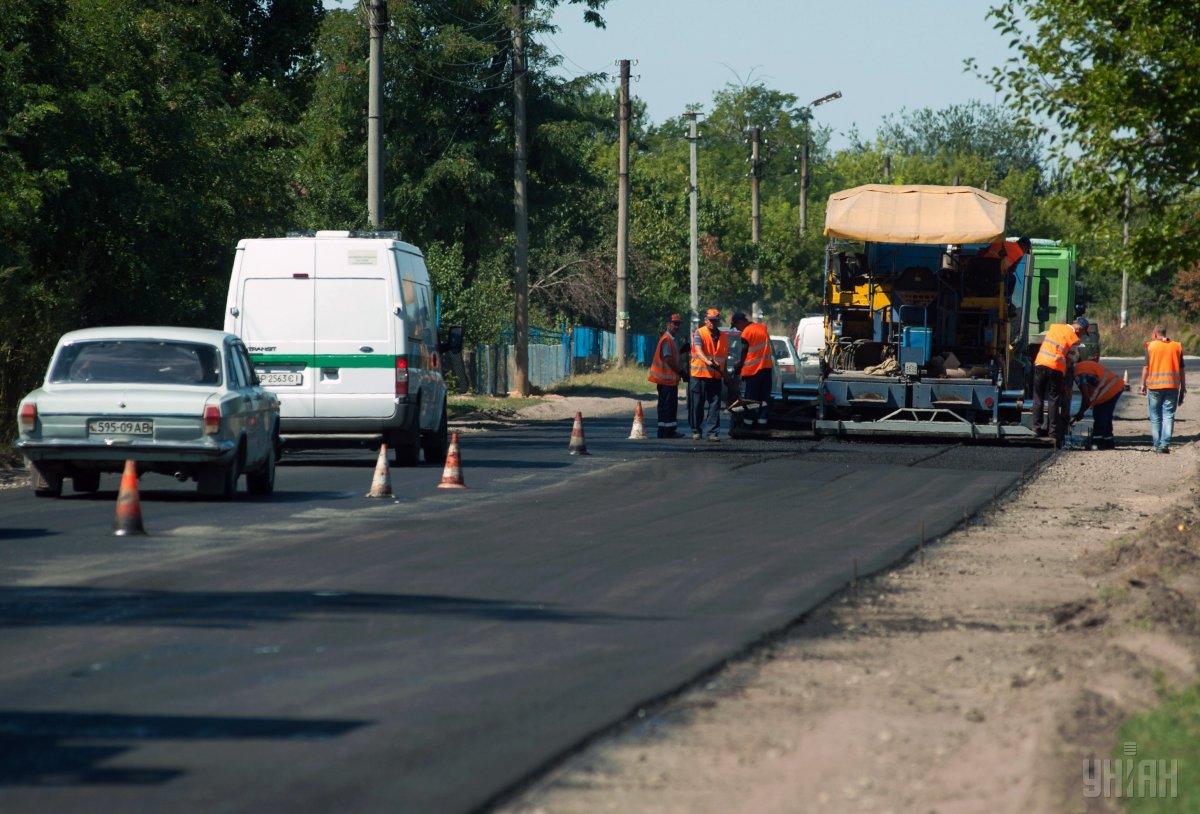 Эксперт утверджает, что  угольные шламы отходов коксохимического производства можно перерабатывать в материалы для дорожного строительства  / Фото УНИАН