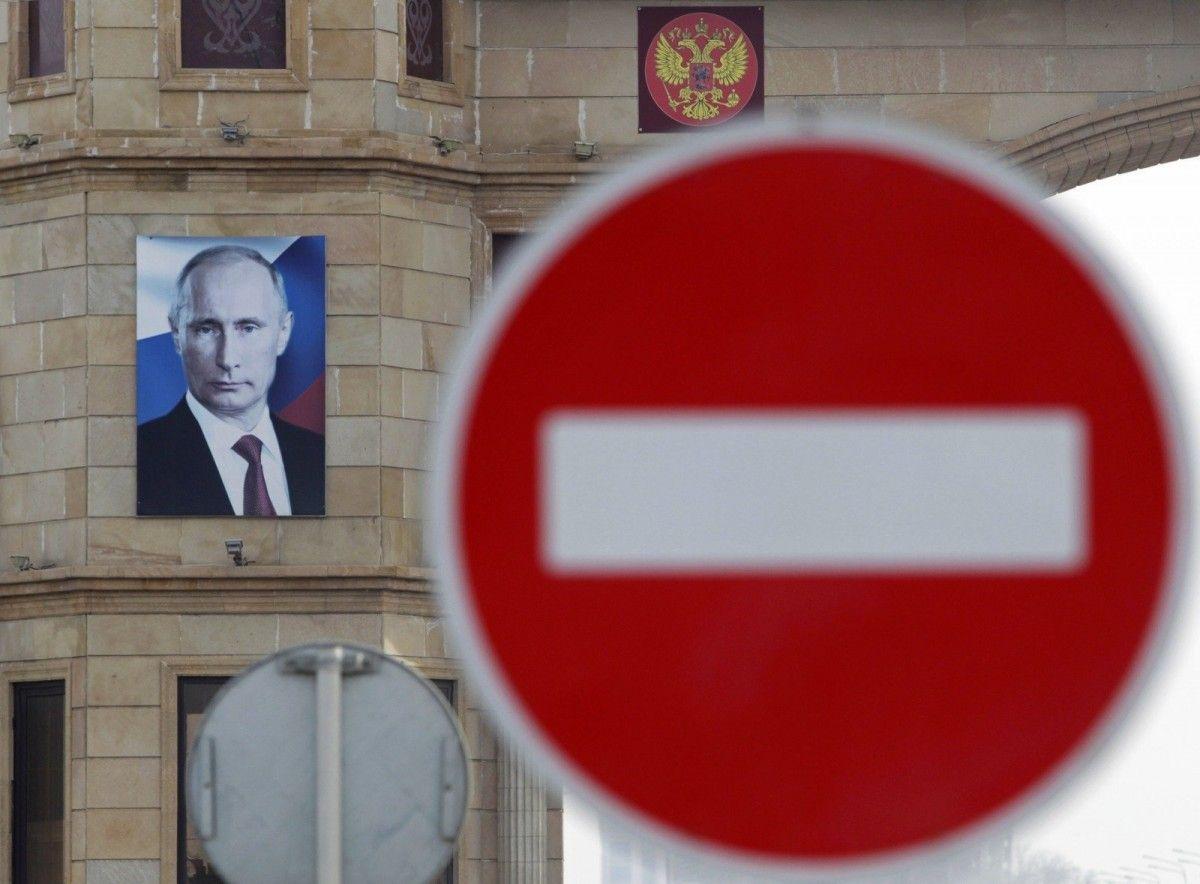 """Путин признал, что """"пресловутые санкции"""" влияют на Россию / REUTERS"""