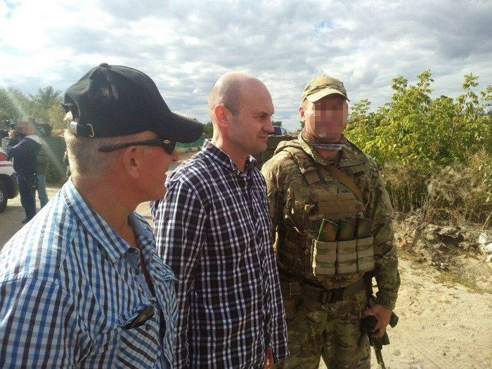 Zhemchuhov and Suprun after their release from militant captivity / SBU