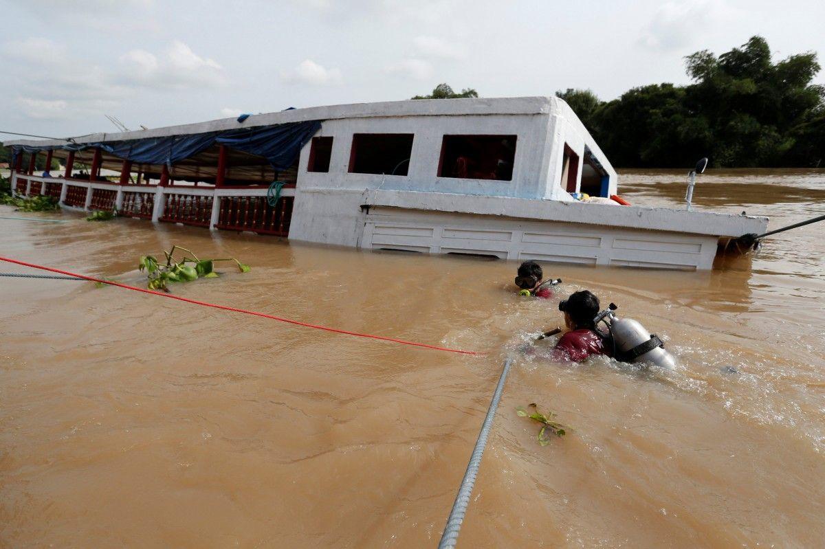 Паром перевозив близько 150 осіб по річці Чаопрайя / Reuters