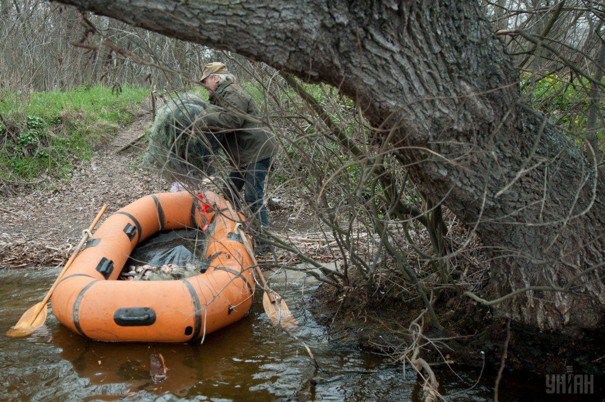 На Житомирщине заработал рибоохоронний патруль / фото УНИАН
