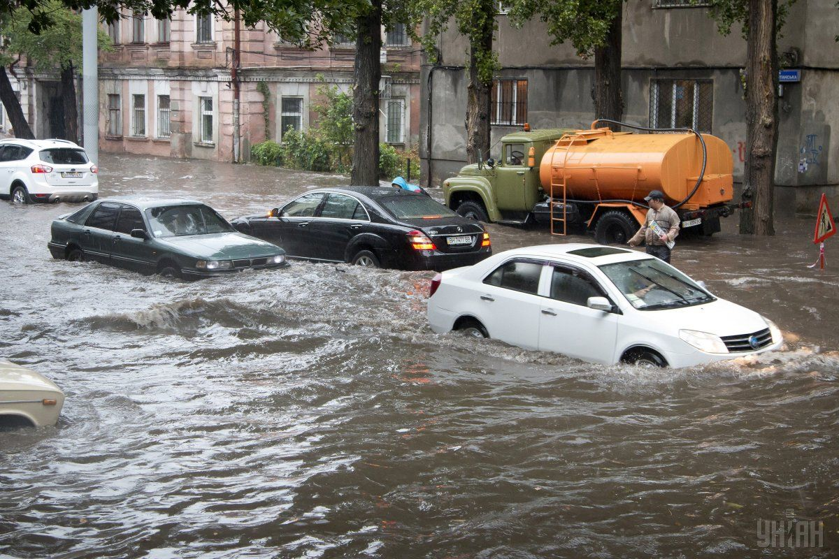 Rainfall of the century in Odesa / Photo from UNIAN