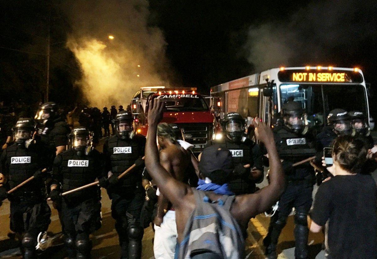 Беспорядки в Северной Каролине / REUTERS